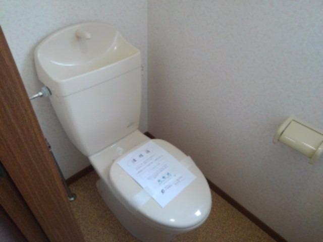 エスポワールB 01010号室のトイレ