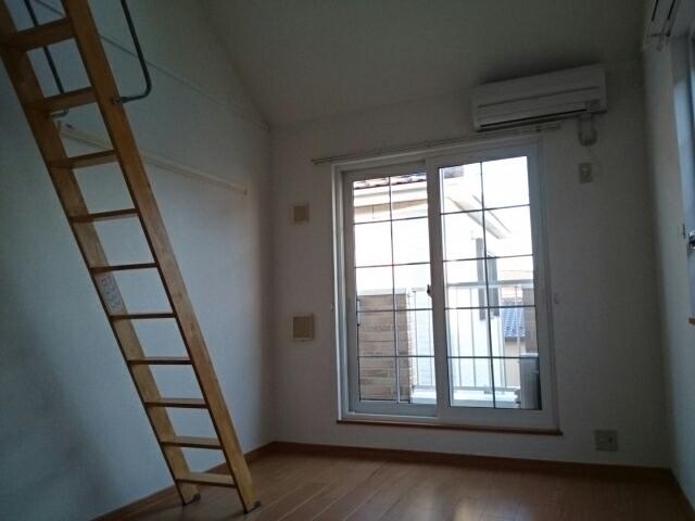 モンシャトー 01010号室の居室