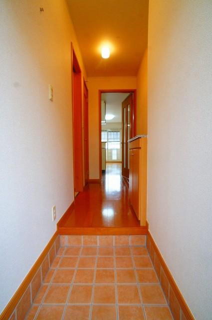 ル-ラルハ-モニ-TI B 01020号室の玄関