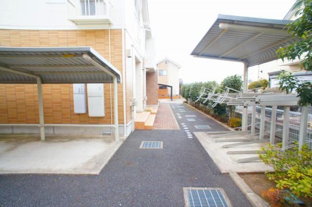 ル-ラルハ-モニ-TI B 02040号室の駐車場