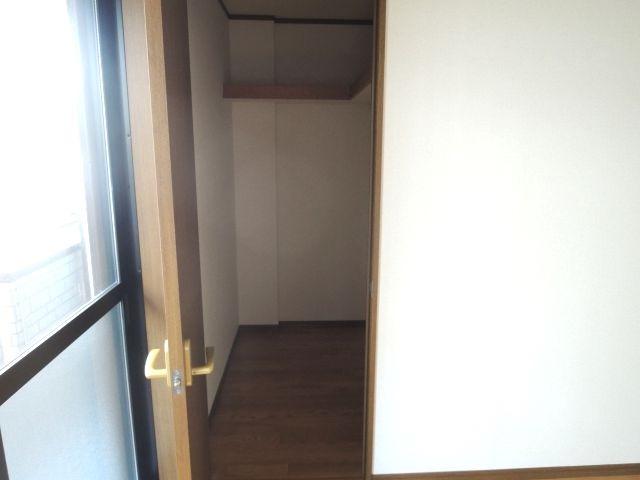 スプリングフィールド原市 01030号室の収納