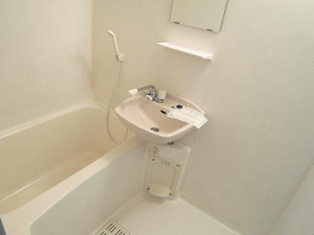 スプリングフィールド原市 01030号室の風呂