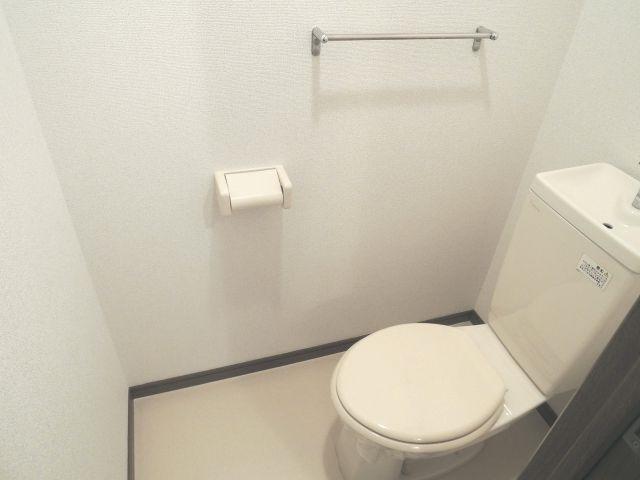 スプリングフィールド原市 01030号室のトイレ