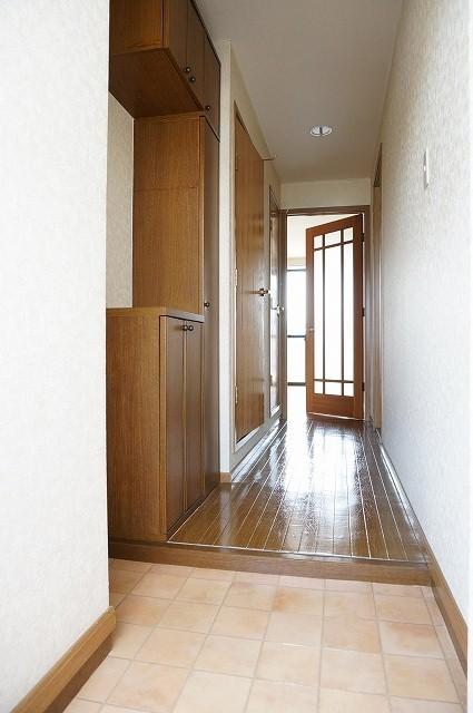 フォレストコートB 02040号室の玄関
