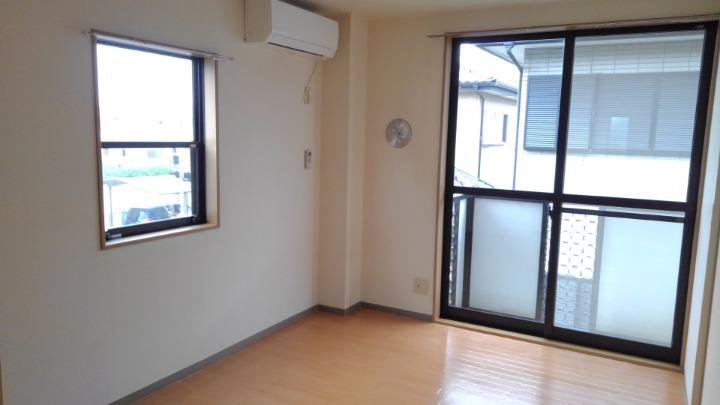 ドリーミーハウスT 02010号室の居室