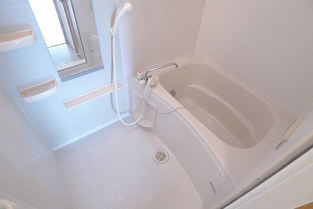 パステークガーデンA 02010号室の風呂