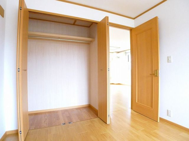 パステークガーデンA 02010号室の収納