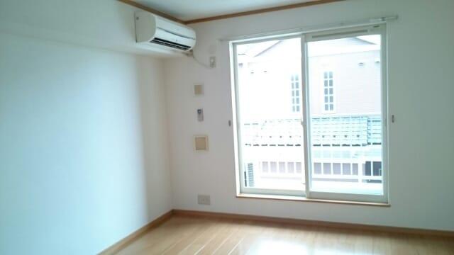 ドリームハイツC 02060号室のリビング