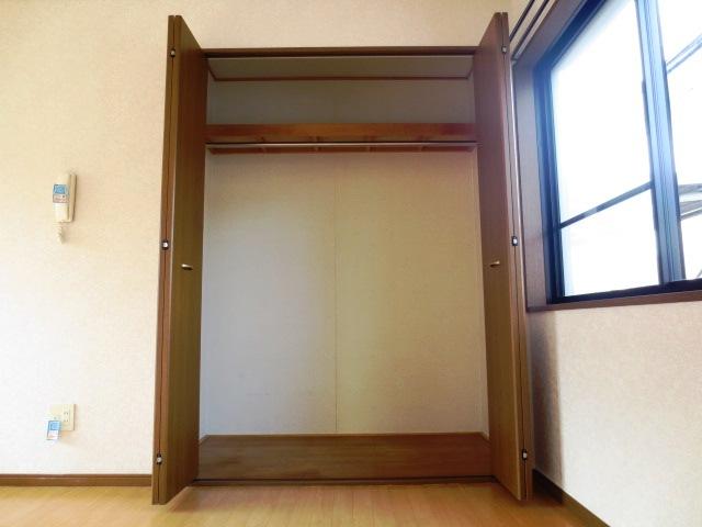 リバティハイムⅡ 01010号室の収納