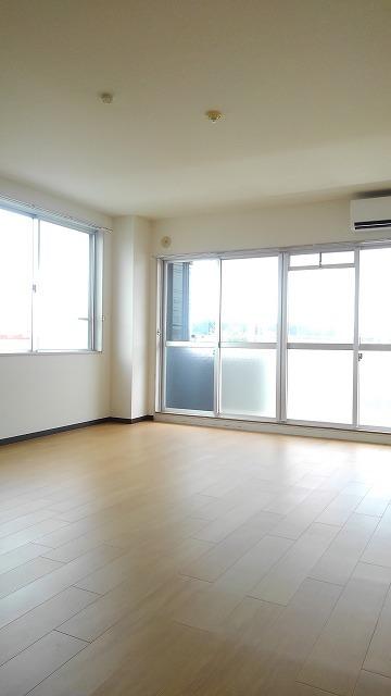 ソシア新宿 03010号室のリビング