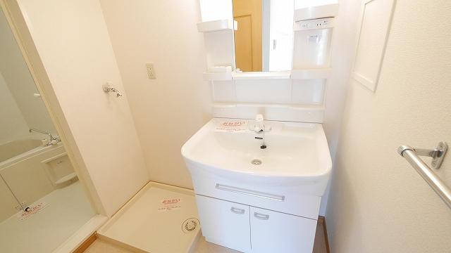 フィオ-レ・彩C 02010号室の風呂