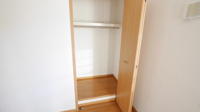 フィオ-レ・彩C 02010号室の収納
