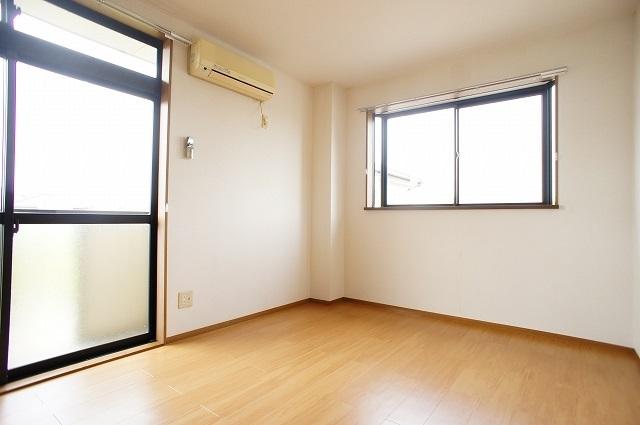 ブリッサ.セレ-ノA 02020号室の居室
