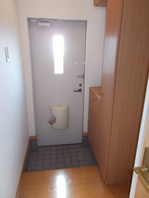 アムールⅠ 01010号室の玄関