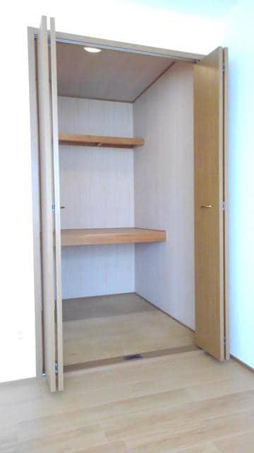 ウエストコートA 01020号室の収納