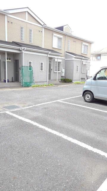 ウエストコートA 01020号室の駐車場