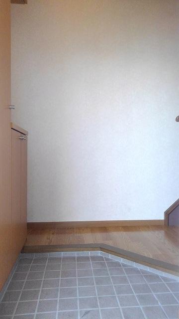 ウエストコートA 02020号室の玄関