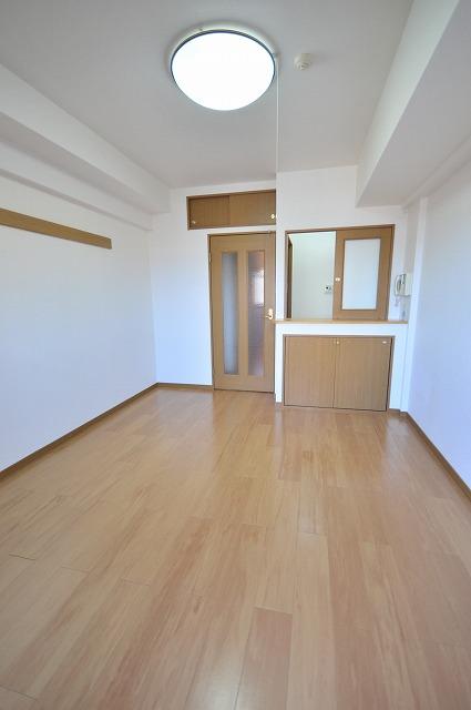 ビオラ・パラッツォ 07030号室のリビング