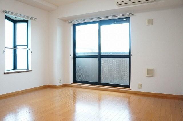 エスポワール参番館 03010号室の居室