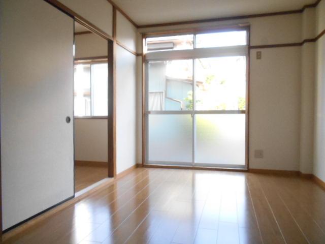 仁科ハイツB 01020号室の居室