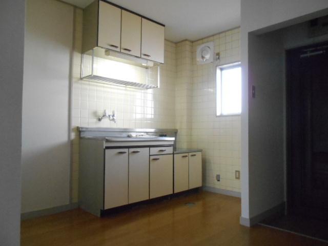 仁科ハイツB 01020号室のキッチン
