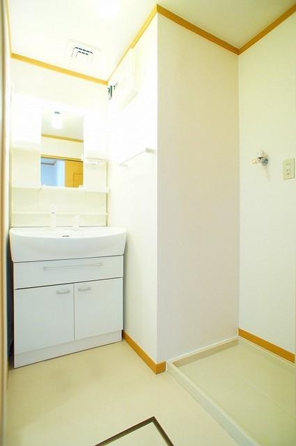 ジェニトーリⅡ 02010号室の洗面所