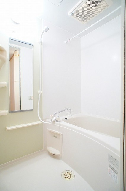 ジェニトーリⅡ 02010号室の風呂