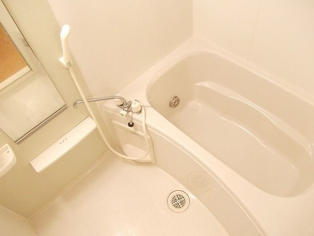アンプリアル 02040号室の風呂