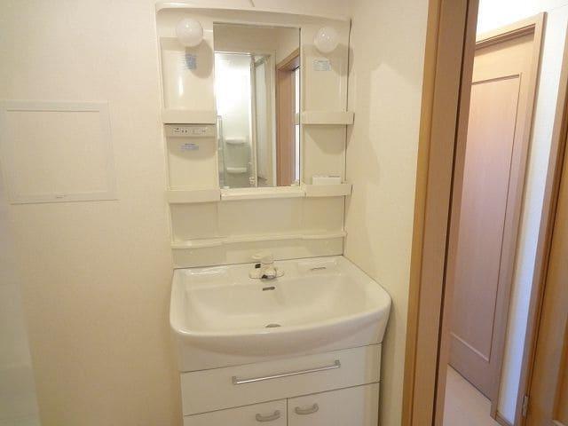 アンプリアル 02040号室の洗面所