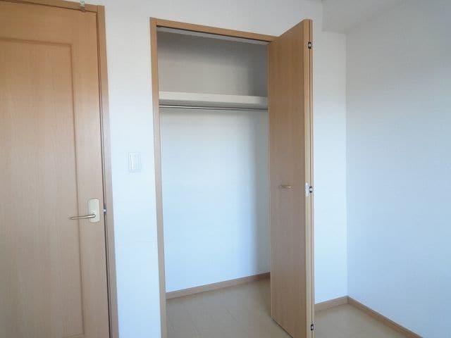アンプリアル 02040号室の収納