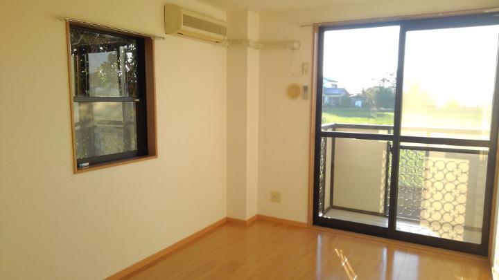 エトワ-ルイズミ 01010号室の居室