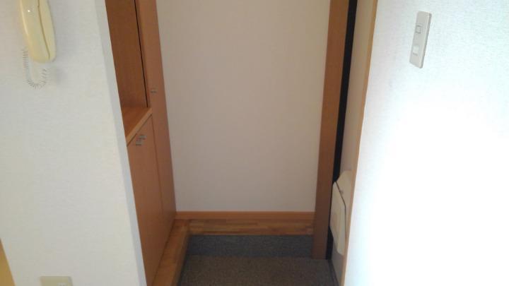 エトワ-ルイズミ 01010号室の玄関