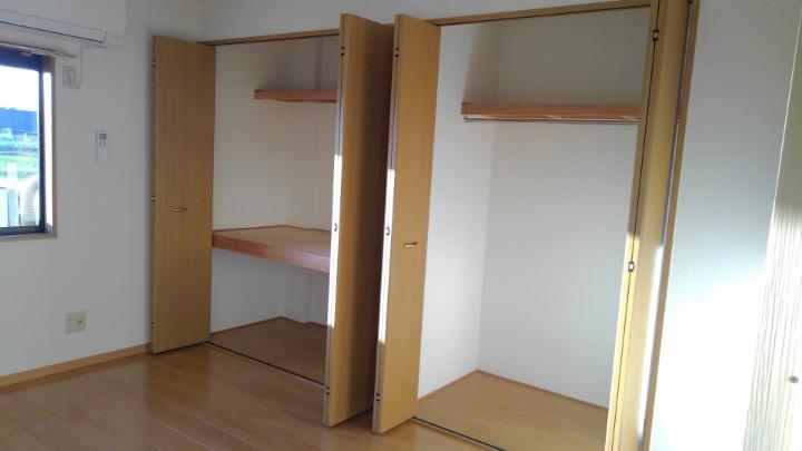 エトワ-ルイズミ 01010号室の収納