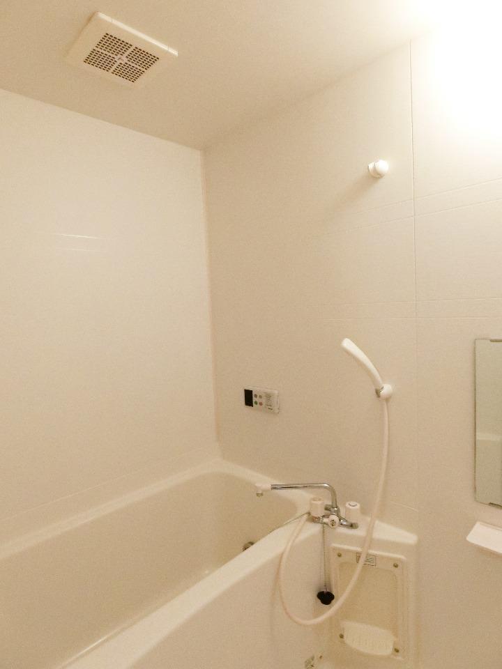 クレストルnoguchi 01030号室の風呂