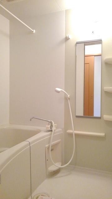 グラースカルム 01020号室の風呂