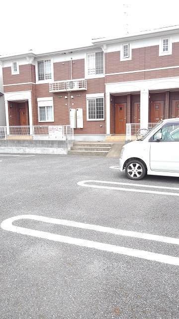 グラースカルム 01020号室の駐車場