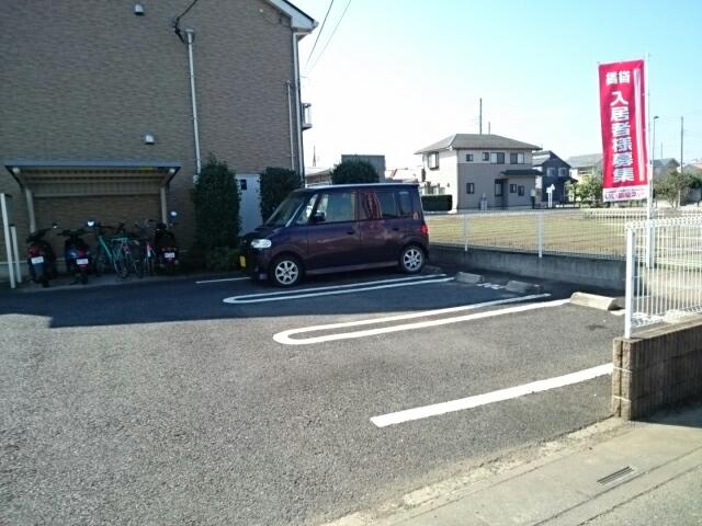 ル-ラル シティTI B 02020号室の駐車場