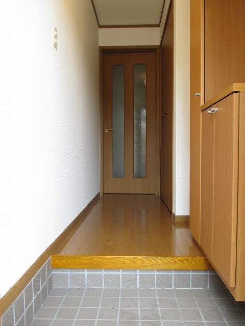 パストラルコ-トⅡ番館 01010号室の玄関