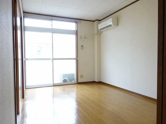 ラ・フォーレ七和 02050号室の玄関