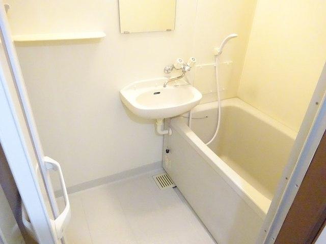 ラ・フォーレ七和 02050号室の風呂