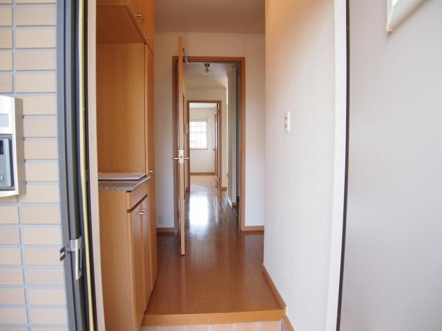 ル-ラルハ-モニ-TI A 01010号室の玄関