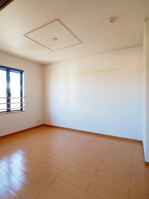 メゾンラフィネ 02030号室の居室