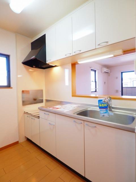 メゾンラフィネ 02030号室のキッチン