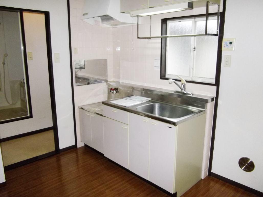 クローバーハイツ 02010号室のキッチン
