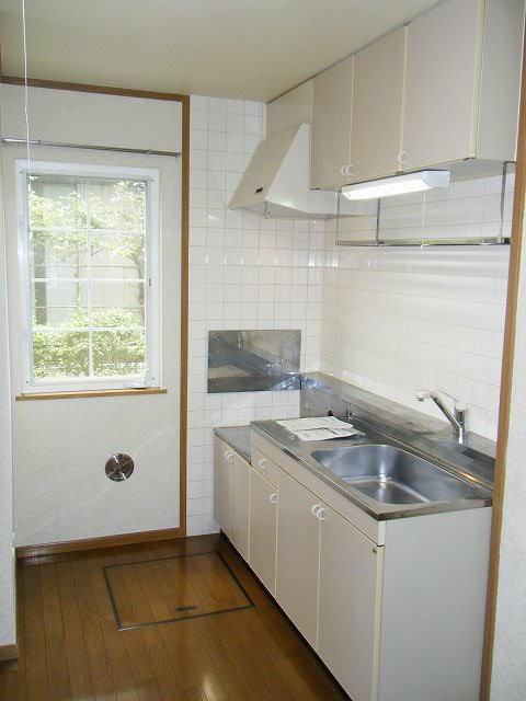 クレセント 01010号室のキッチン