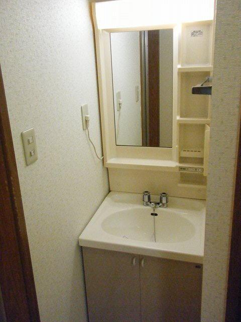 クレセント 01010号室の洗面所