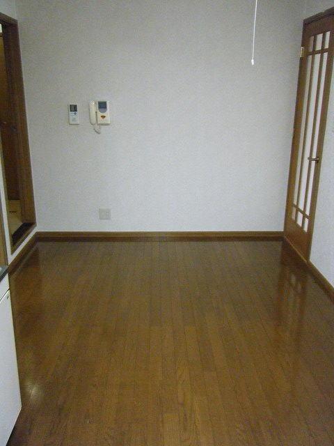 クレセント 01010号室の居室