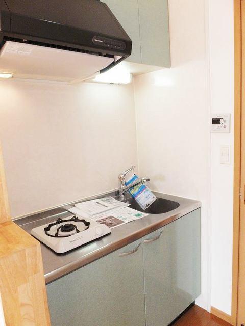 PURE CITY 梅田B 02030号室のキッチン
