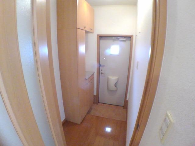 リーヴ天神 A 01030号室の玄関