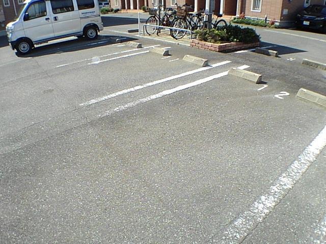 リーヴ天神 A 01030号室の駐車場